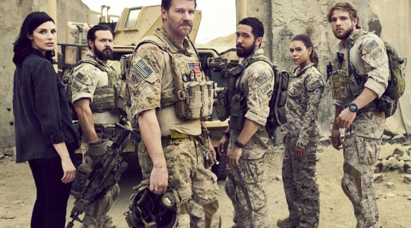 CBS series SEAL TEAM, Jessica Paré, AJ Buckley, David Boreanaz, Neil Brown Jr., Toni Trucks, Max Thieriot. Foto: Eric Ray Davidson/CBS ©2017 CBS Broadcasting, Inc. All Rights Reserved