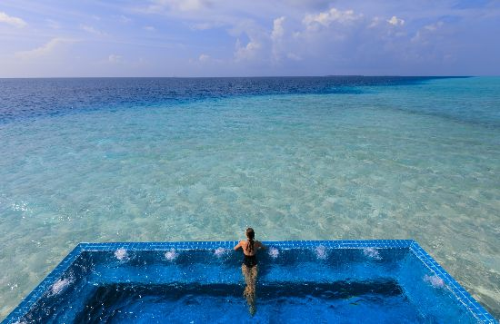 Infinity Pools_Velassaru Maldives