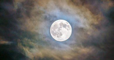 Prazan hod Mjeseca u ožujku 2019.